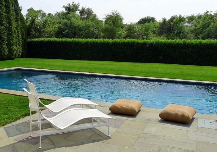 backyard_pool_hedge
