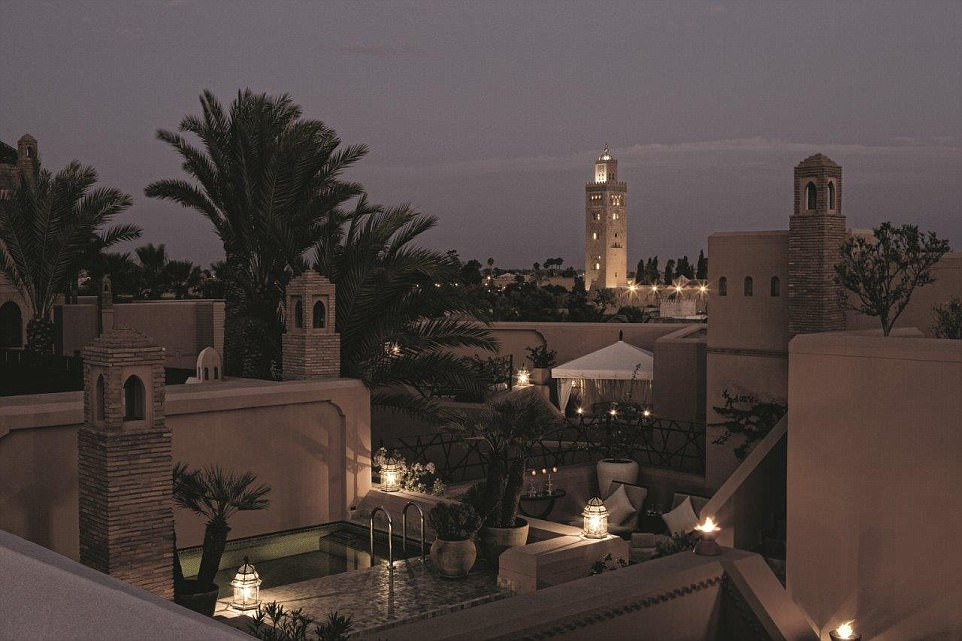 3F34CF6900000578-4408730-A_luxurious_sanctuary_in_the_ancient_medina_of_Marrakech_the_Roy-a-16_1492417124546