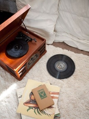 my-life-my-room-2012-01-14_olivia_lopez-room